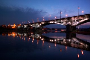 warsaw-bridge-by-night